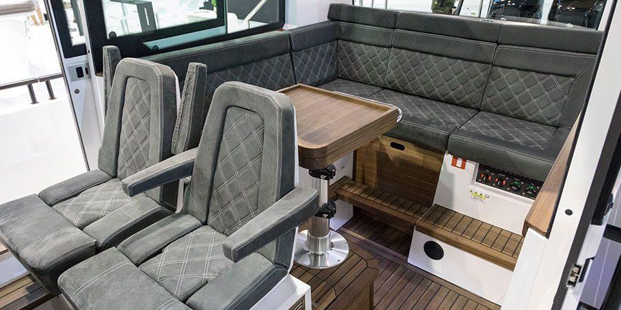 Axopar 37 SC Cabin